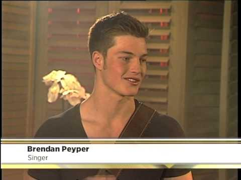 Brendan Peyper Performs