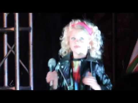 Minnie Karlien Van Jaarsveld : Es-Lee Van Jaarsveld
