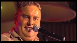 Zak van Niekerk - vertel 'n Storie (LIVE) (OFFICIAL VIDEO)