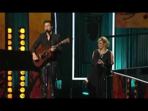 HUISGENOOT SKOUSPEL 2014  Elvis And Andriette   Mense Op Die Bus