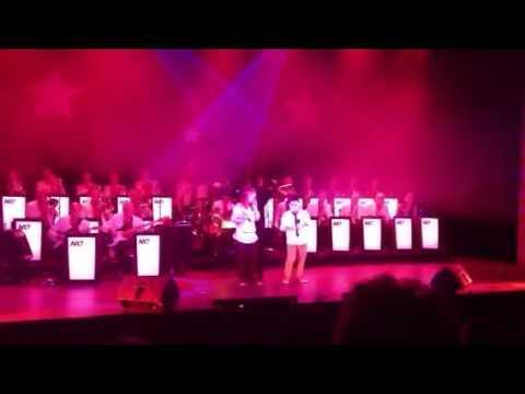 Optreden NAO 2012   Pieter En Lotte