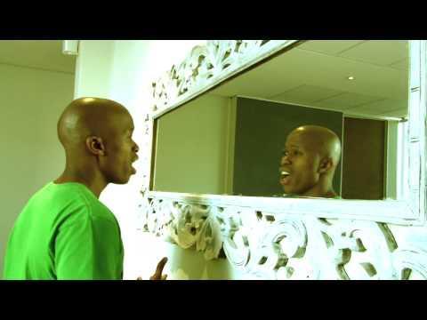 Thabiso Khambule  Taks On Bobby Van Jaarsveld ' Spieeltjie'