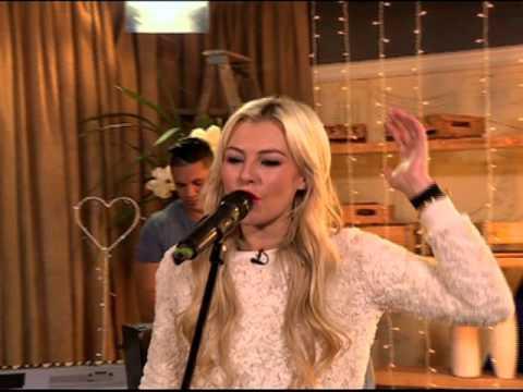 Karlien Van Jaarsveld Performs